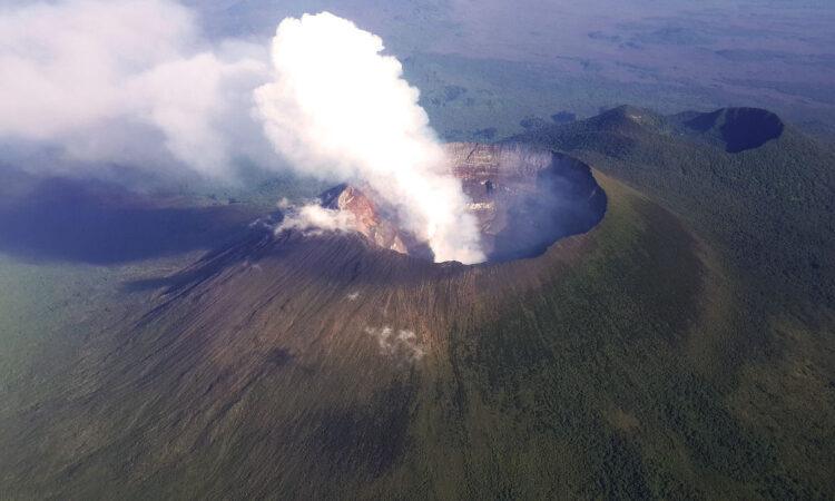 8 Days Uganda Wildlife Safari and Mount Nyiragongo hike